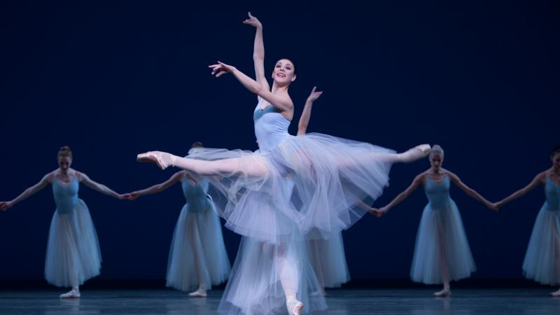 66523Het-Nationale-Ballet---Best-of-Balanchine---Serenade-Angela-Sterling--2-